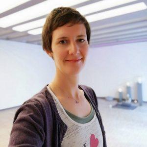 Yogalehrerin Monika Mergele in Endingen am Kaiserstuhl